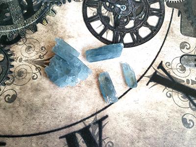 青い重晶石/きらら舎