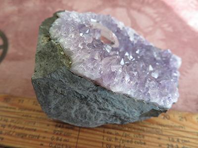 方解石を随伴した紫水晶/きらら舎