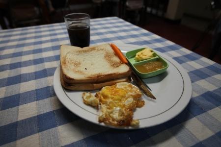 ジャクサ 朝食付き