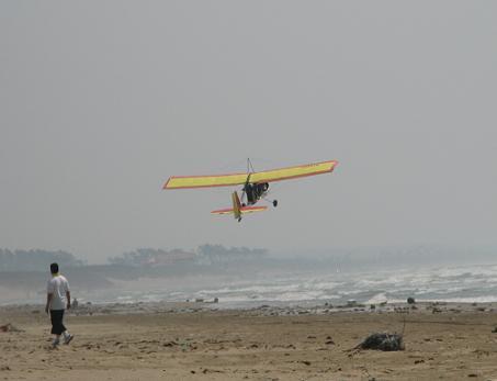 砂浜から離陸!?