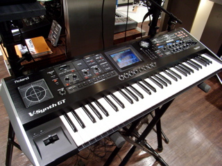 V-Synth GT。まだ発売前の貴重なもの。