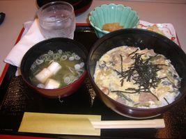 最終日のお昼ご飯こんにゃく山菜丼