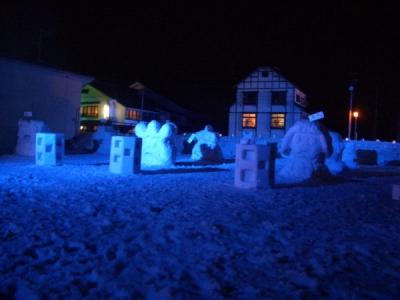 小学生が造った雪像