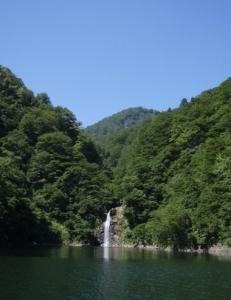 田子倉湖 あいよしの滝