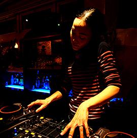 Mambongo! 3/1 DJ kiki