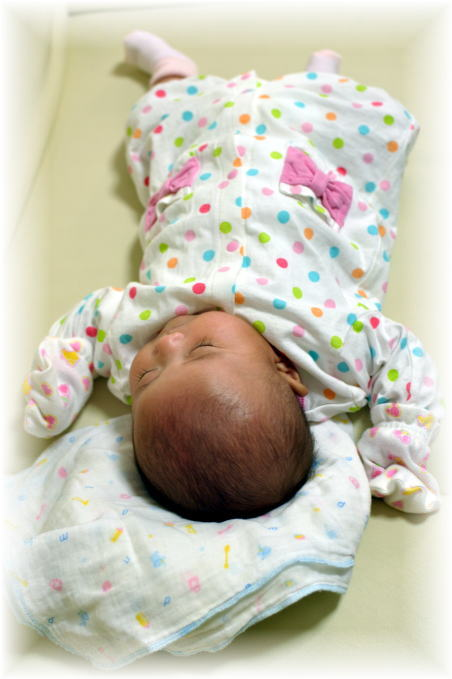 赤ちゃん 2か月2.jpg