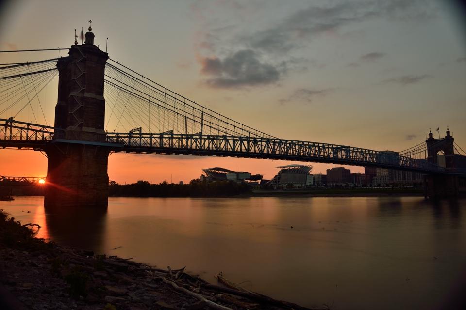 ジョン・A・ローブリング橋2.jpg