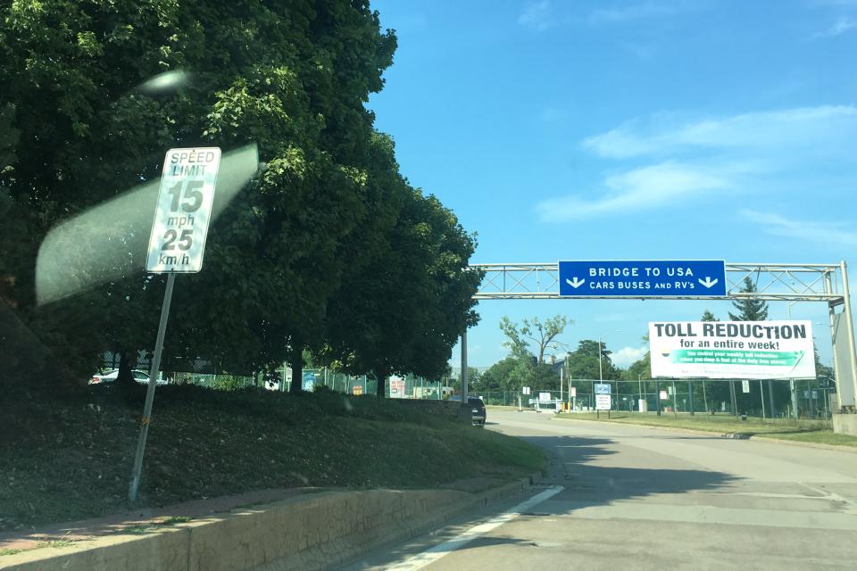 カナダ→アメリカ陸路(車)再入国1.jpg