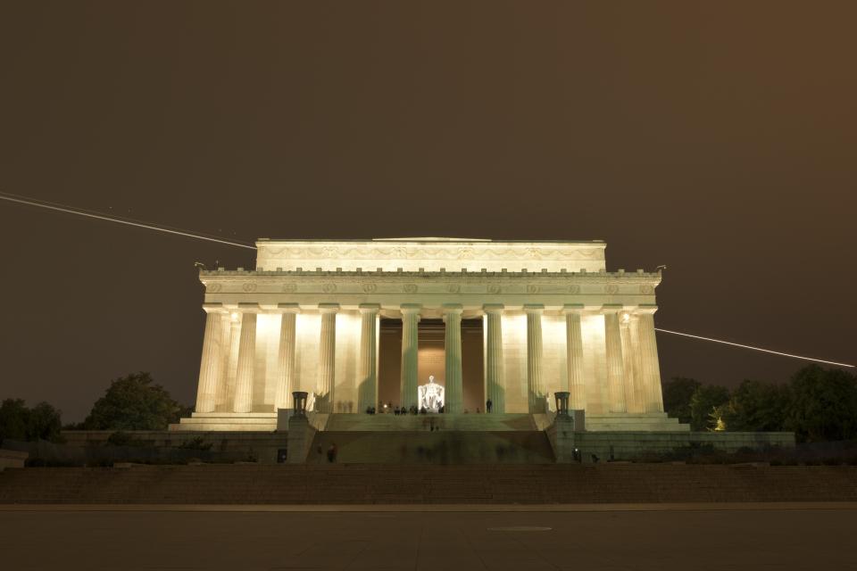 リンカーンメモリアル写真2.jpg