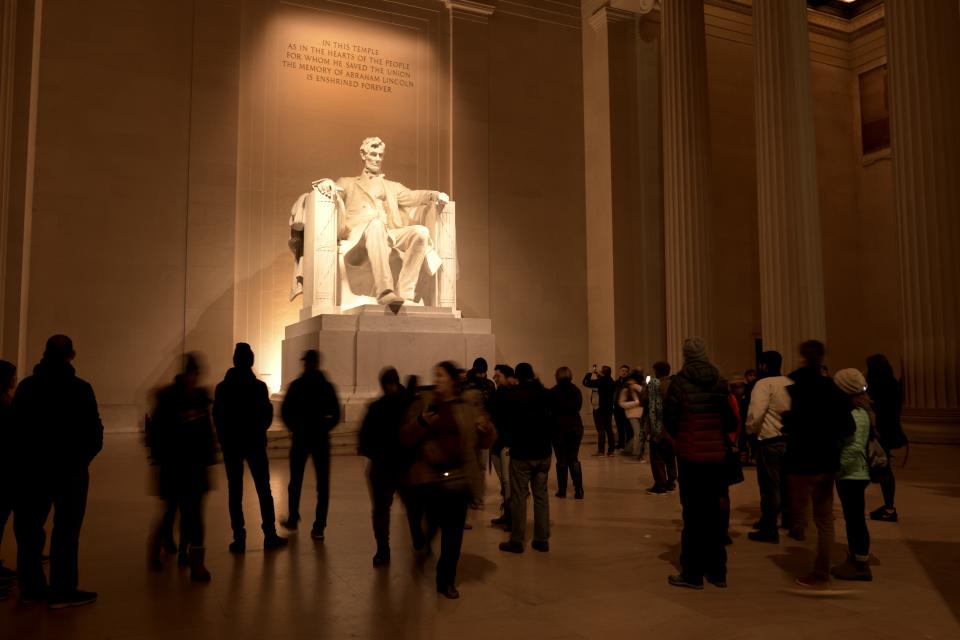 リンカーンメモリアル写真3.jpg