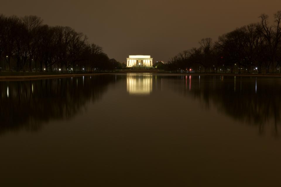 リンカーンメモリアル写真4.jpg