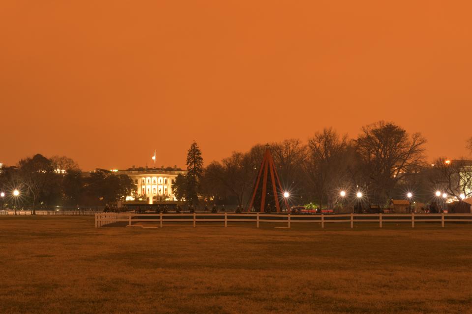 ホワイトハウス夜景写真2.jpg
