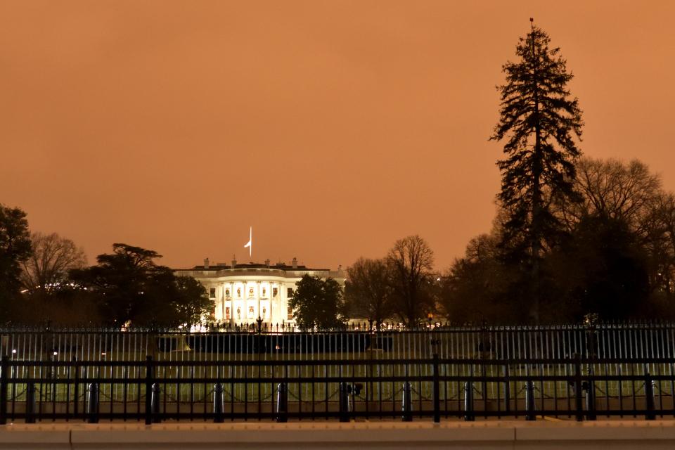 ホワイトハウス夜景写真3.jpg