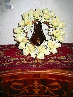 白い薔薇のリース