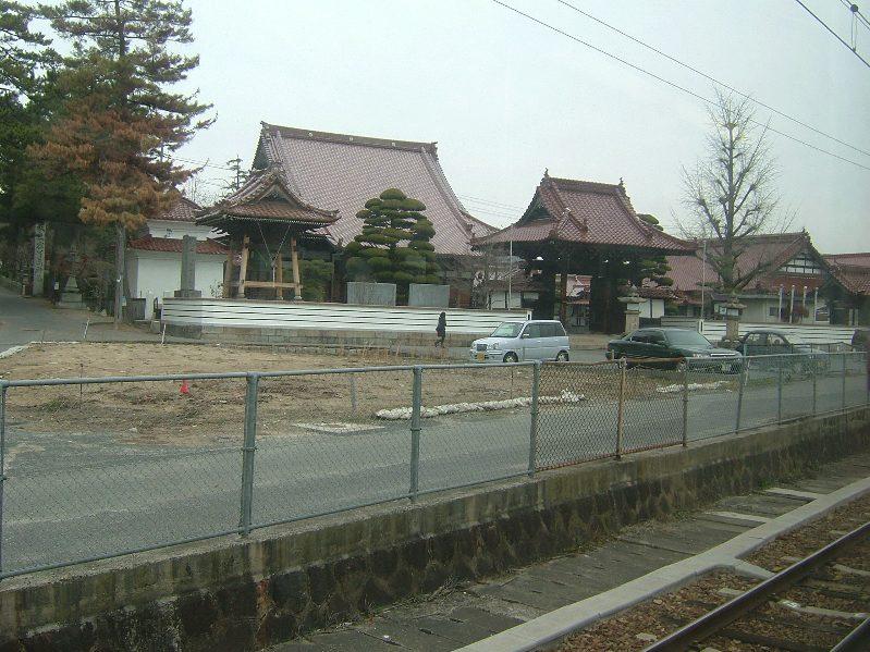 2 西条付近は寺も赤い瓦です