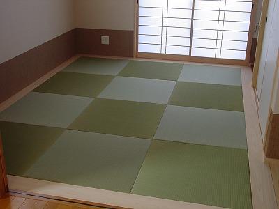 無染土 無着色 無添加 天然無垢のい草で織り上げた目積織り半畳縁無し琉球タイプ6帖間たたみの施工例