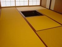 カビやダニの発生も少なく汚れても水拭きできる暖色系カラー畳の施工例�