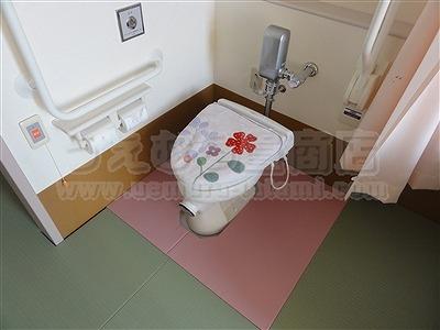 """""""ピンク色が、かわいいですね。""""老人ホーム用(介護施設)やわらかあんしん畳琉球畳施工例。(枚方市)介護保険住宅改修には、うえむら畳のたたみ。?"""