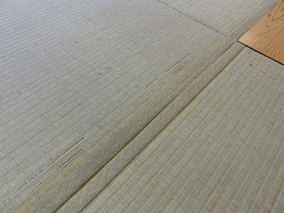 『暖色系カラー花柄縁付き畳が出演前のココロを癒します。』(縁付き畳施工例)大阪府大東市の国産畳専門店の畳屋さん2