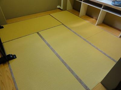 『暖色系カラー花柄縁付き畳が出演前のココロを癒します。』(縁付き畳施工例)大阪府大東市の国産畳専門店の畳屋さん6