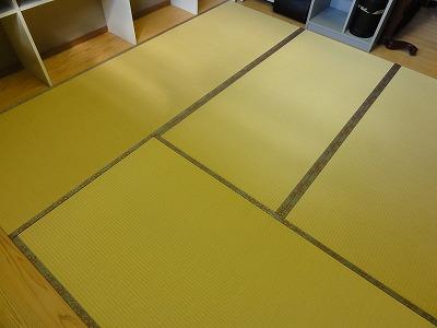 『暖色系カラー花柄縁付き畳が出演前のココロを癒します。』(縁付き畳施工例)大阪府大東市の国産畳専門店の畳屋さん8