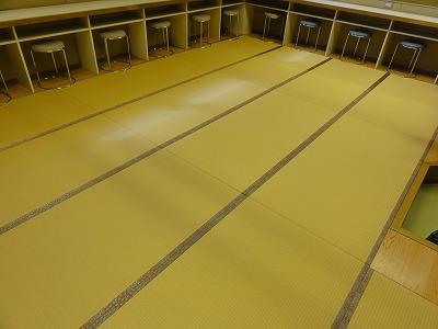 『暖色系カラー花柄縁付き畳が出演前のココロを癒します。』(縁付き畳施工例)大阪府大東市の国産畳専門店の畳屋さん12