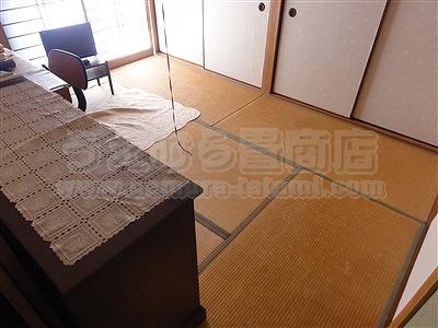 ワンちゃん安心耐水畳×ピンク花柄畳縁:縁付き新畳施工例。大阪府大東市ショールームのある畳屋さん1