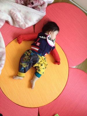 『たたみっふるとは?』やわらか・あんしん・遊ぶ・楽しむ・くつろぐ・子育て・ペット共生・耐水・色が変わらない・ダニ・カビに強い・デザイン琉球置き畳大阪うえむら畳商店0