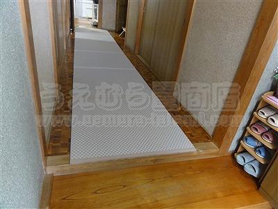 滑らなくて困ったワンニャン!!ペット畳(ペット用畳)カラー畳廊下施工例。(大東市)うえむら畳4