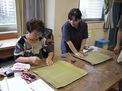 【畳の小物製作体験学習〜いぐさ枕編〜】畳の材料を利用して素敵な小物作り02