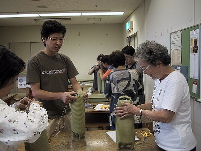 【畳の小物製作体験学習〜いぐさ枕編〜】畳の材料を利用して素敵な小物作り05