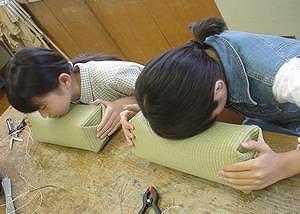【畳の小物製作体験学習〜いぐさ枕編〜】畳の材料を利用して素敵な小物作り06