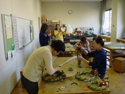 【畳の小物製作体験学習〜クリスマスリース製作偏〜】畳の材料を利用して素敵な小物作り1