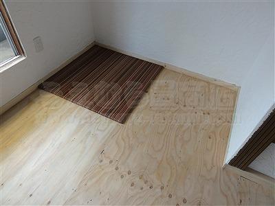 新色ッ!縁無し琉球畳アースカラーで床(フロアー)をもっと楽しく施工事例。大阪大東市イマドキの畳屋さん家庭用国産畳専門店うえむら畳3