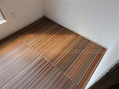 新色ッ!縁無し琉球畳アースカラーで床(フロアー)をもっと楽しく施工事例。大阪大東市イマドキの畳屋さん家庭用国産畳専門店うえむら畳4