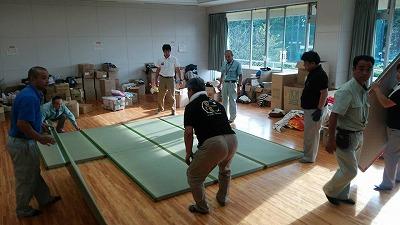 災害地の避難所にあたらしい畳を贈る〜畳店ネットワーク:5日で5000枚の約束。〜 【活動報告】