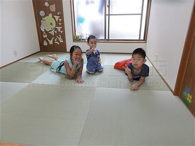 子どもたちは知っているいちばんキモチイイ床を…。縁無し琉球畳大阪家庭用国産畳専門畳店うえむら畳15