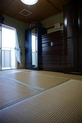 【カラー縁無し琉球畳】お友達のようなステキなお部屋に模様替えしたいッ!:大阪大東市家庭用国産畳専門店うえむら畳6