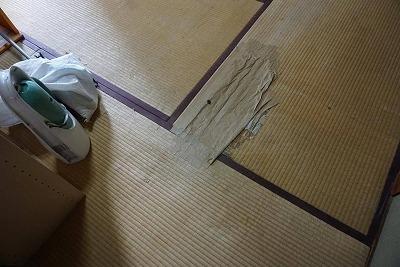 狭小部屋もブラウン市松×ダークブラウン縁無し琉球畳デザイン敷きで素敵に模様替え(大阪市):大阪大東市家庭用国産畳専門店うえむら畳2