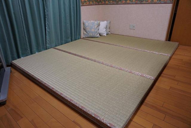 """フローリングの上には""""きなり畳""""シリーズ無添加極太い草極厚TATAMIで暮らす。大阪大東市家庭用国産畳専門店うえむら畳1"""