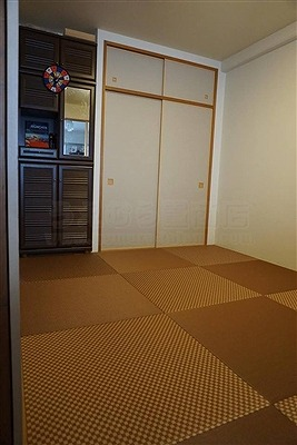 【縁無し琉球畳ダークブラウン6帖間施工例】大阪大東市家庭用国産畳専門店いまどきの畳屋さんうえむら畳3