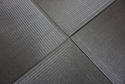 カラー縁無し琉球畳(セキスイチャコール色大阪大東市)ウォーキングがご縁のご依頼に感謝。家庭用国産畳専門店うえむら畳4