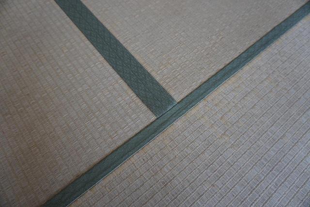 【カラー和紙製縁無し琉球畳】念願の縁無し琉球畳に模様替え。大阪大東市家庭用国産畳専門店うえむら畳3