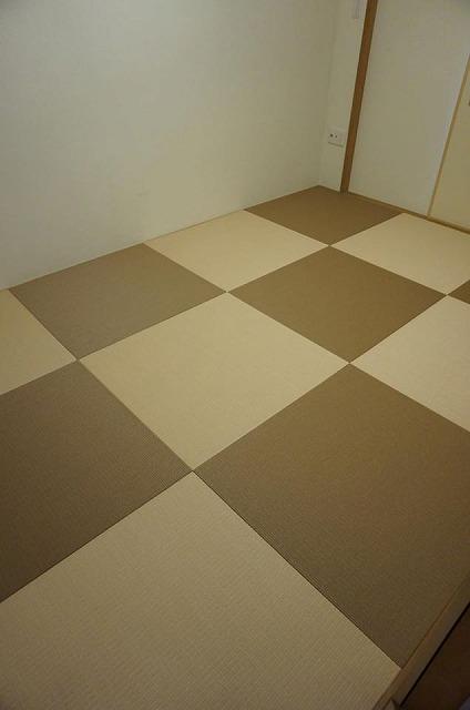 【カラー和紙製縁無し琉球畳】念願の縁無し琉球畳に模様替え。大阪大東市家庭用国産畳専門店うえむら畳5