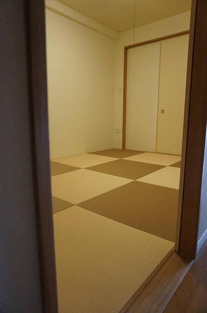 【カラー和紙製縁無し琉球畳】念願の縁無し琉球畳に模様替え。大阪大東市家庭用国産畳専門店うえむら畳6