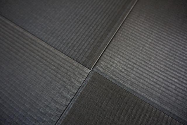 【カラー琉球畳】チャコール色がステキなお部屋に模様替え。大阪大東市家庭用国産畳専門店うえむら畳5
