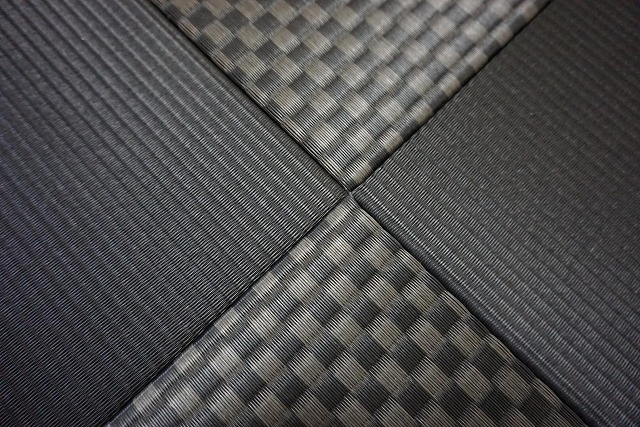 極薄縁無し琉球畳(ブラック×市松柄ブラック)大阪府大東市家庭用国産畳専門店いまどきの畳屋さんうえむら畳3