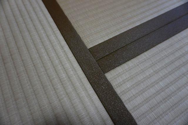 カビダニが発生しにくいモカベージュ引目カラー縁付き畳に模様替え。5