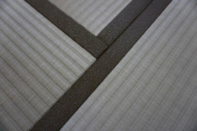 カビダニが発生しにくいモカベージュ引目カラー縁付き畳に模様替え。6