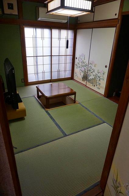 幸せが必ず来る…。畳縁花言葉がステキな畳替えのご依頼。(大阪府東大阪6畳間)大阪府大東市いまどきの畳屋さん3